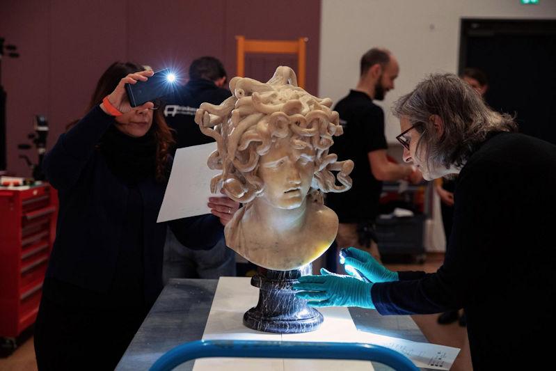 """Bernini's """"Medusa"""" gearriveerd bij het Rijksmuseum"""
